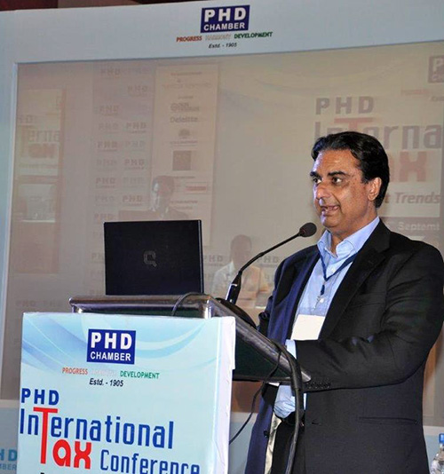 Anil-Chopra-at-PHD-International-Tax-Conference-2014
